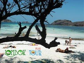 Keistimewaan Pantai Tanjung Aan Lombok yang Masih Alami