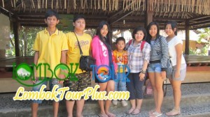 ibu herkulana dan keluarga - testimonial lombok tour plus