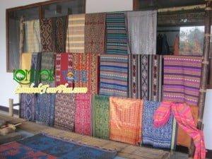 kain tenun khas pulau lombok