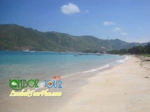 pantai kuta pulau lombok