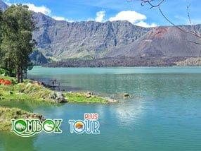 Keasrian Danau Segara Anak Menarik Perhatian Para Pengunjung
