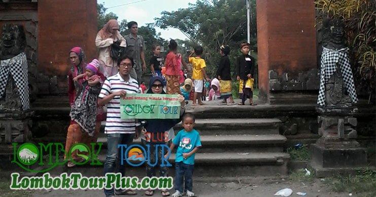 keindahan kerajaan bali lombok pura lingsar lombok