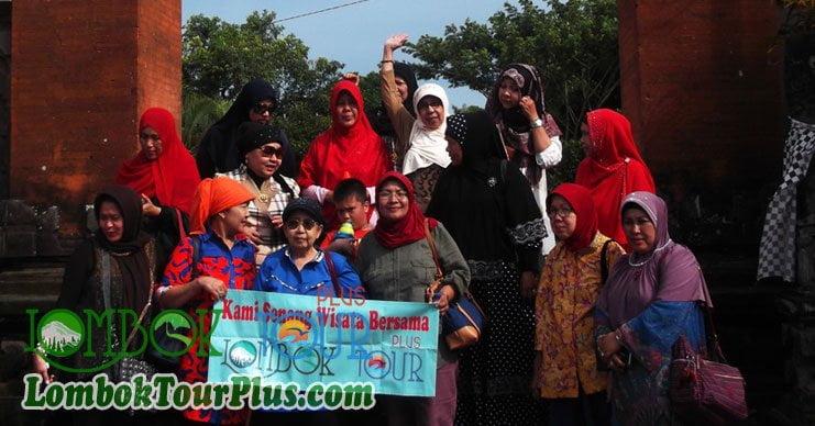 serunya wisata pura lingsar lombok