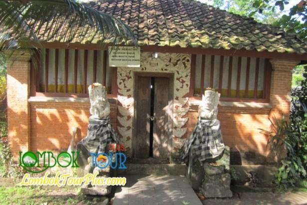 Menjelajah Taman Narmada Lombok, Nusa Tenggara Barat