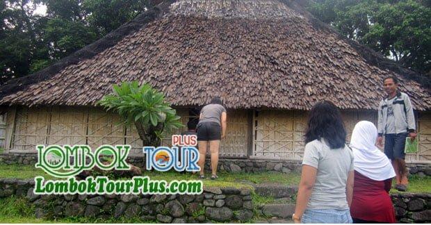 Keceriaan Ibu Aprida Wisata di Lombok