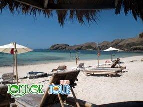Menikmati Wisata Pantai Tanjung Aan Lombok
