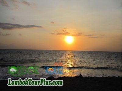 Sejuta Keindahan Tempat Wisata Batu Bolong Lombok