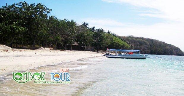Objek Wisata Gili Tangkong Lombok Yang Menawan