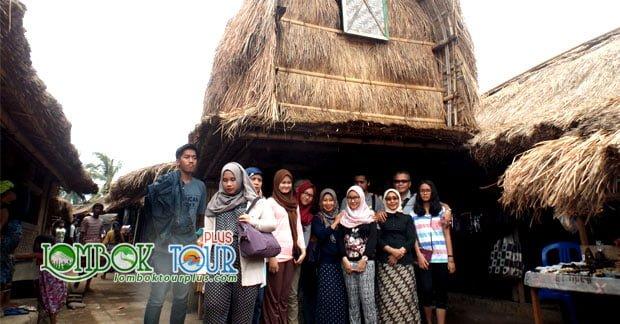 Mengintip Keunikan Rumah Adat Desa Sade