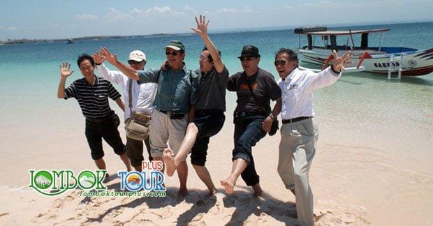 Ingin Berlibur ke Pantai Terindah? Pink Beach Lombok Timur Pilihannya!