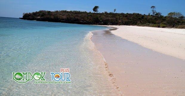 Ini Loh Keunikan Pantai Pink Lombok Yang Wajib Anda Kunjungi