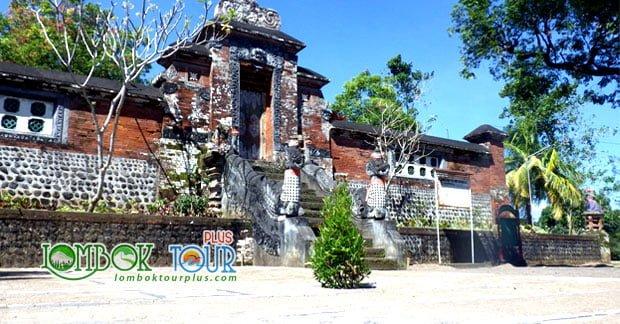 Pura Narmada Lombok