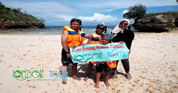 Keindahan Pantai Pink Lombok yang Memukau