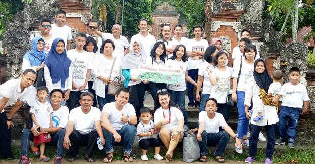 Wisata Pura Lingsar Bapak Agus Pujianto & Keluarga