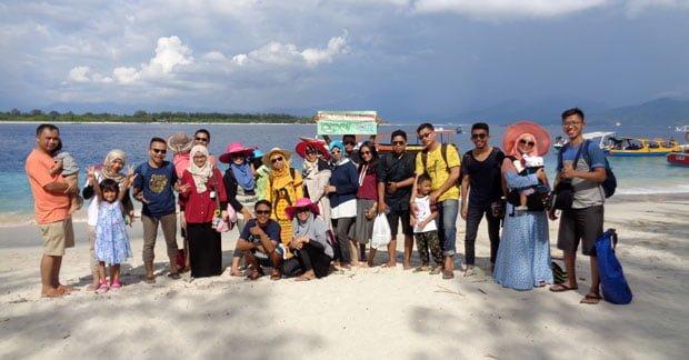 Wisata Ibu Dewi Ekawulan dan Sahabat di Gili Trawangan Lombok (3)