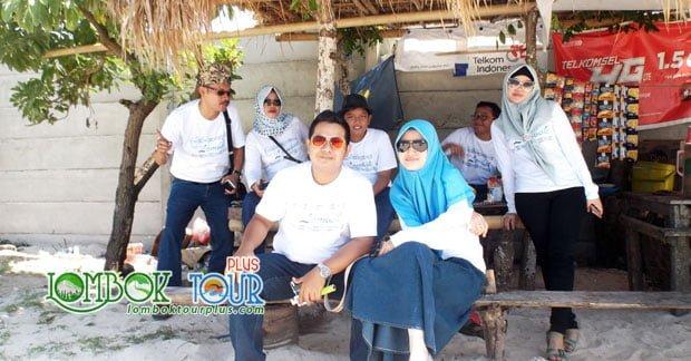 Wisata Lombok Bapak Ari Wibowo dan Kerabat