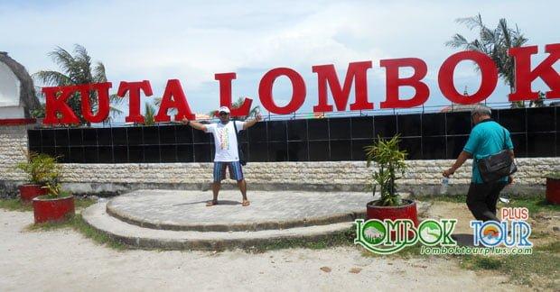 Wisata di Pantai Kuta Lombok