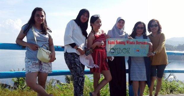 Ibu Tika dan Sahabat di Bukit Malimbu Lombok