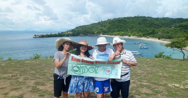 Menikmati keindahan alam Lombok bersama keluarga