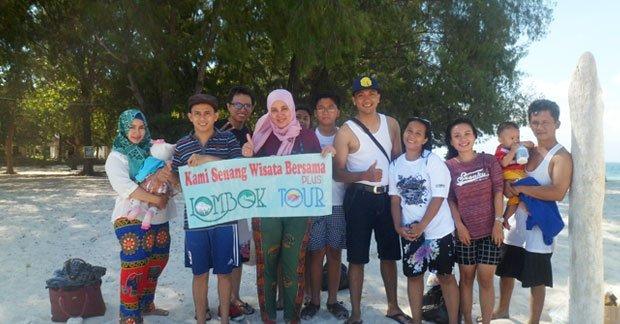 wisata Ibu Lia dan Keluarga di Gili Nanggu Lombok